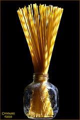 dried spaghetti